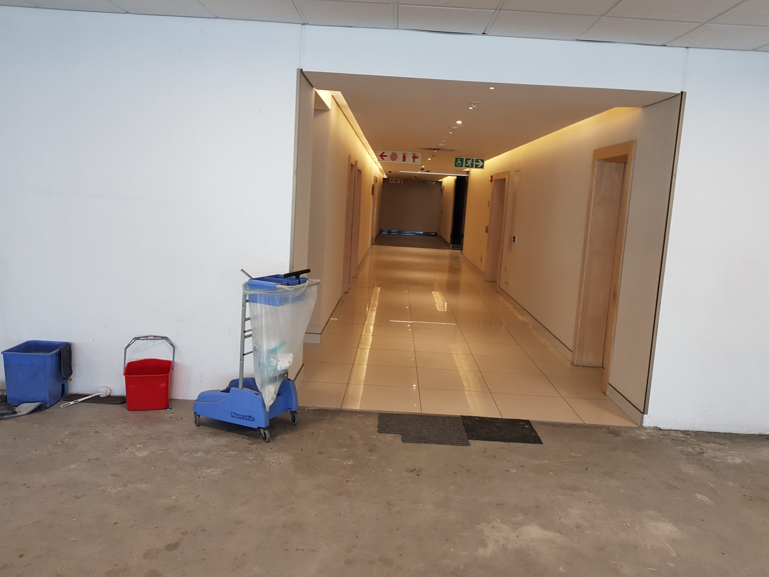 2,201 m² Office Space to Rent Cape Town CBD Portside Building