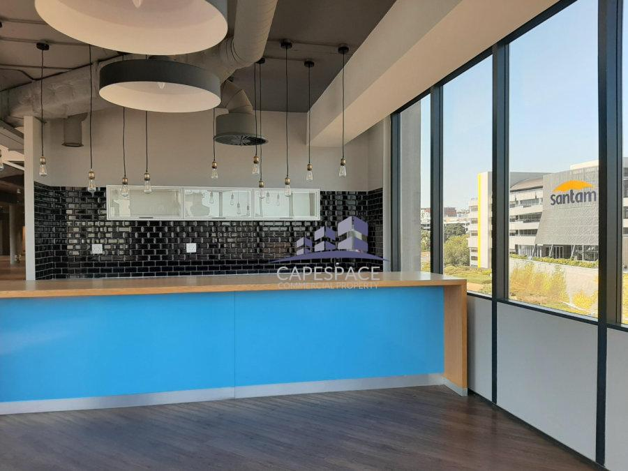 789 m² Office Space to Rent The Edge Tygervalley