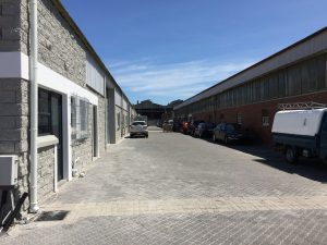 1,090 m² Warehouse to Rent 99 Bofors Circle Epping