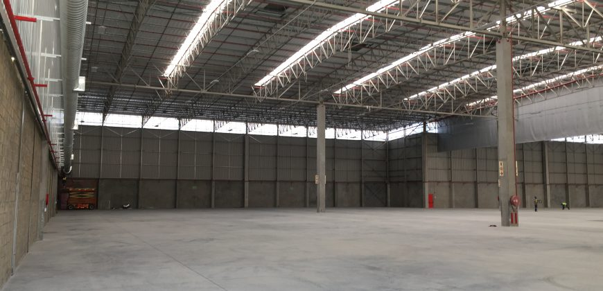 6,569 m² Warehouse to Let Bellville South Mill Park