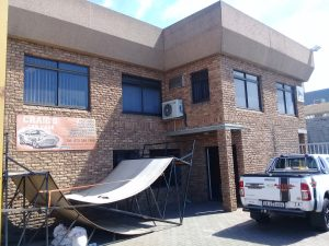 698 m² Industrial Property to Rent Montague Gardens 11 Dawn Road