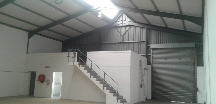 300 m² Warehouse to Rent Montague Gardens 2 Warbler Close