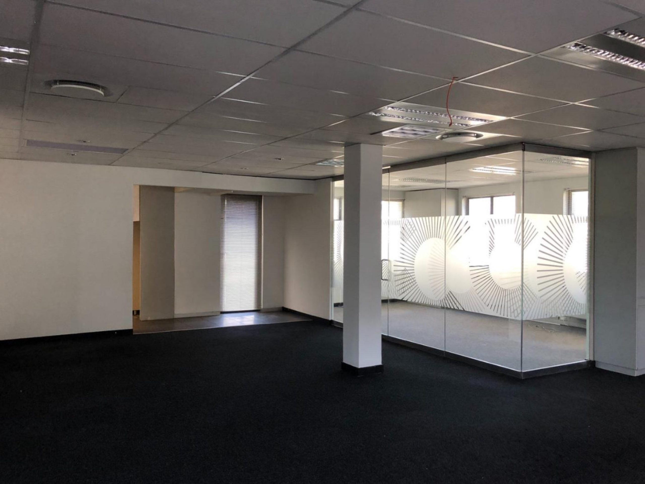 985 m² Office Space to Rent Green Point I De Waterkant Building