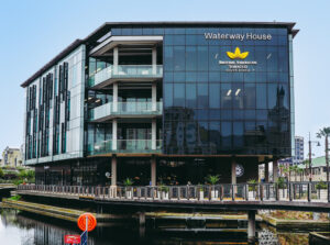 372 m² Showroom Space to Rent Waterfront Waterway House
