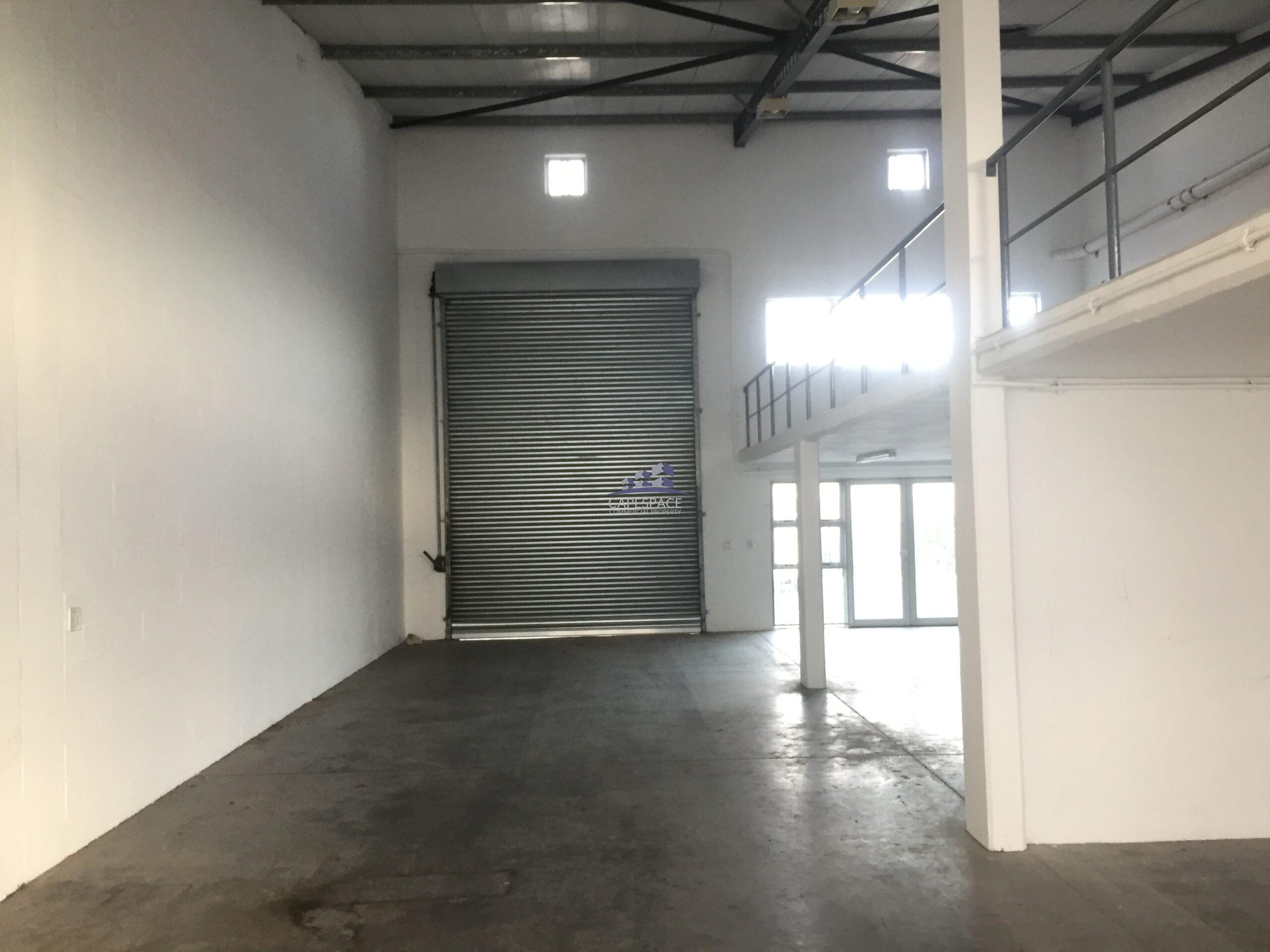 292 m² Industrial Property to Rent Montague Gardens Spearhead Park
