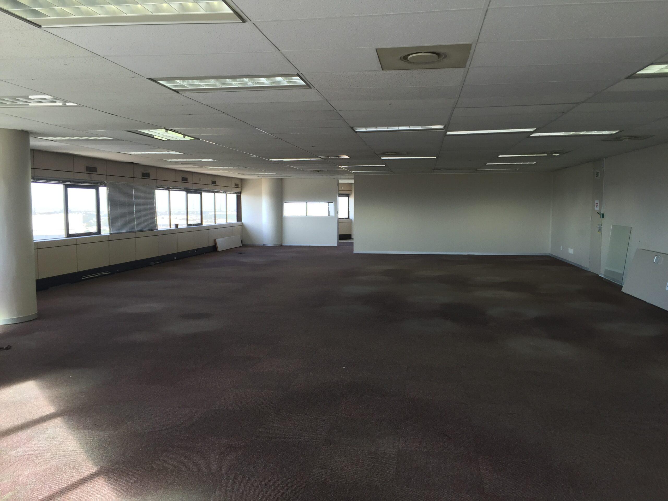580 m² Office Space to Rent Bellville Sunbel Building