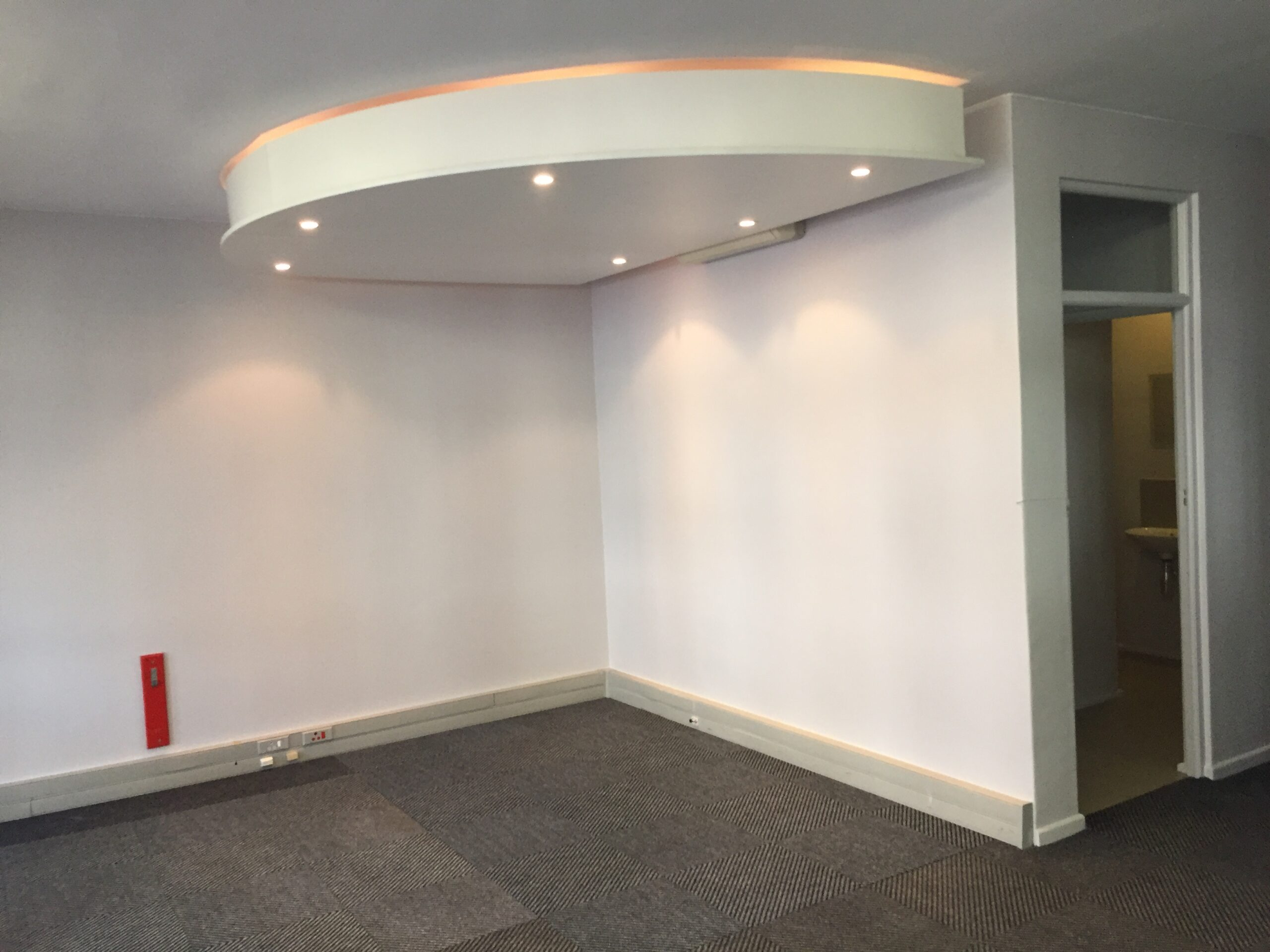157 m² Office Space to Rent Century City I Century Square
