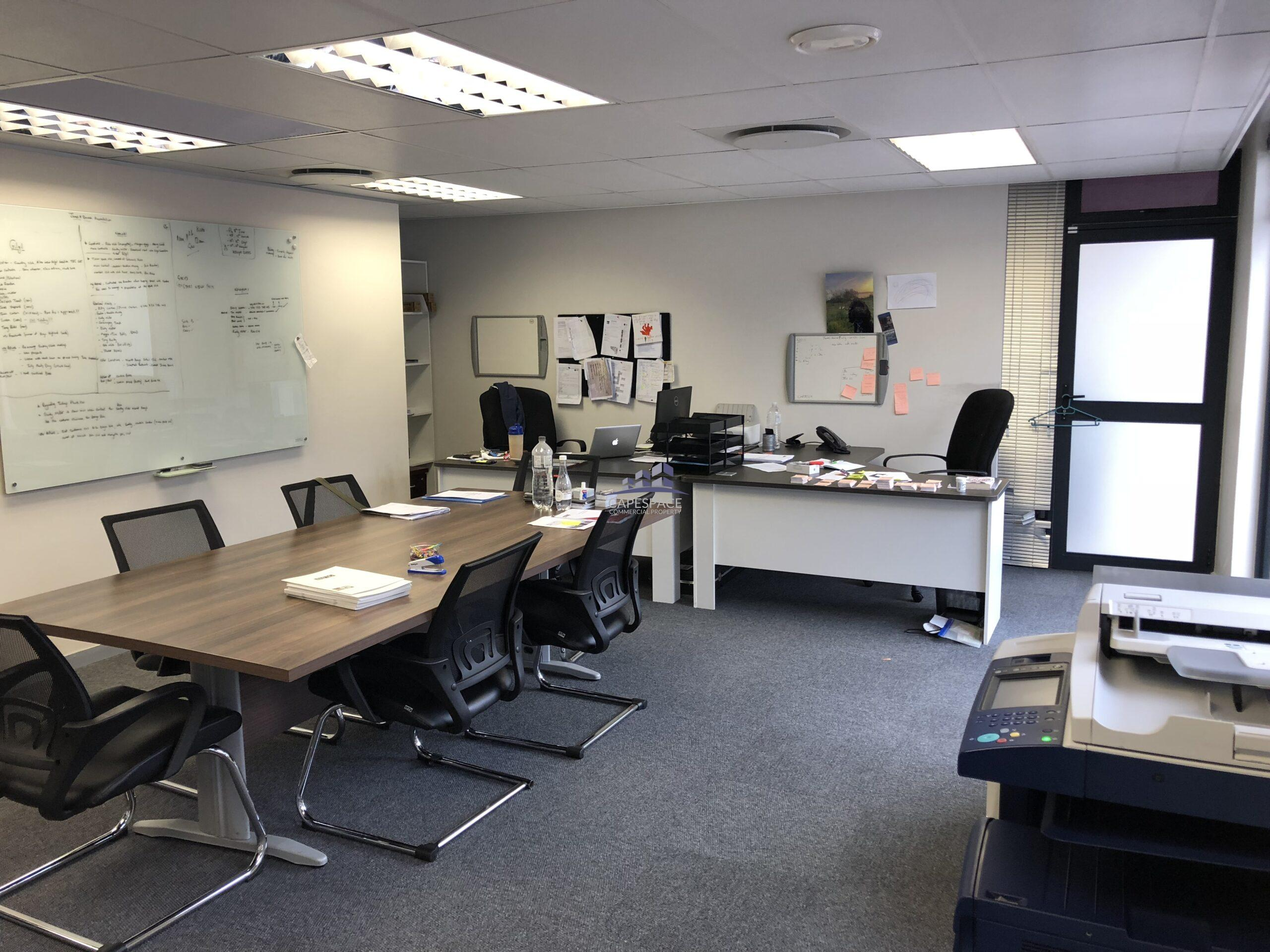 73 m² Office Space to Rent Century City I The Quays
