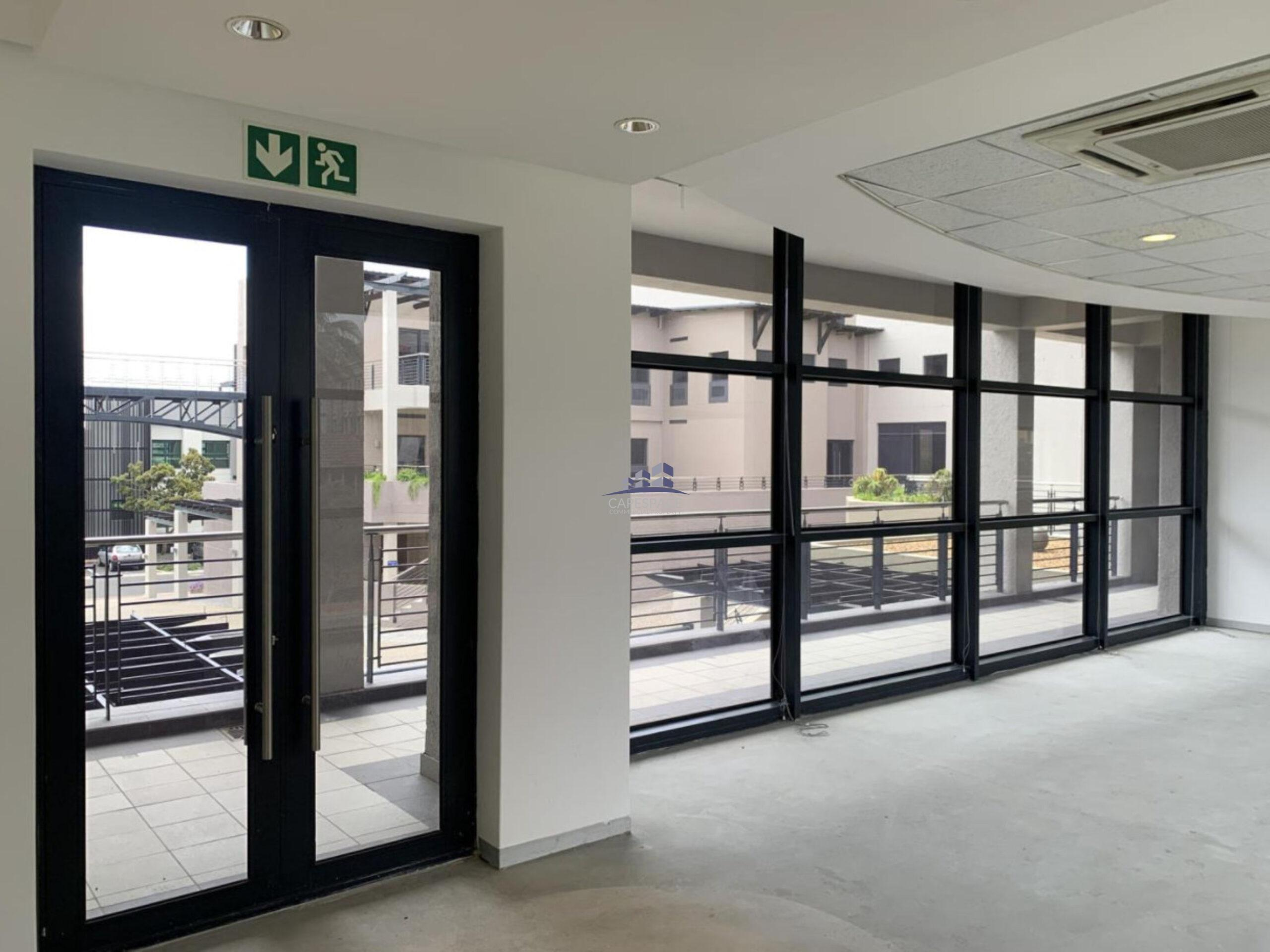 874 m² Office Space to Rent Century City I Knowledge Park 3
