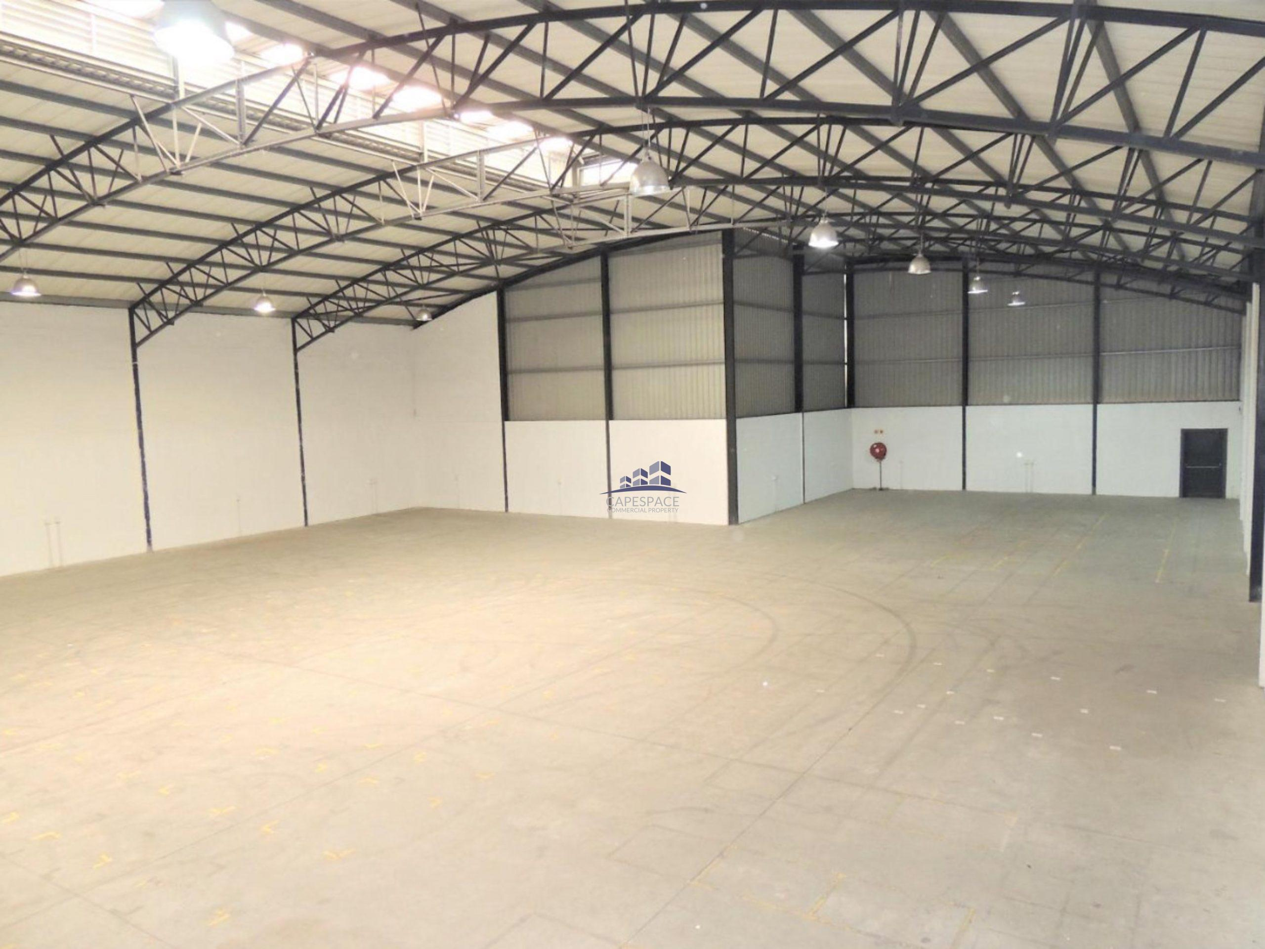 2,690 m² Warehouse to Rent Airport Industria  CTX Business Park