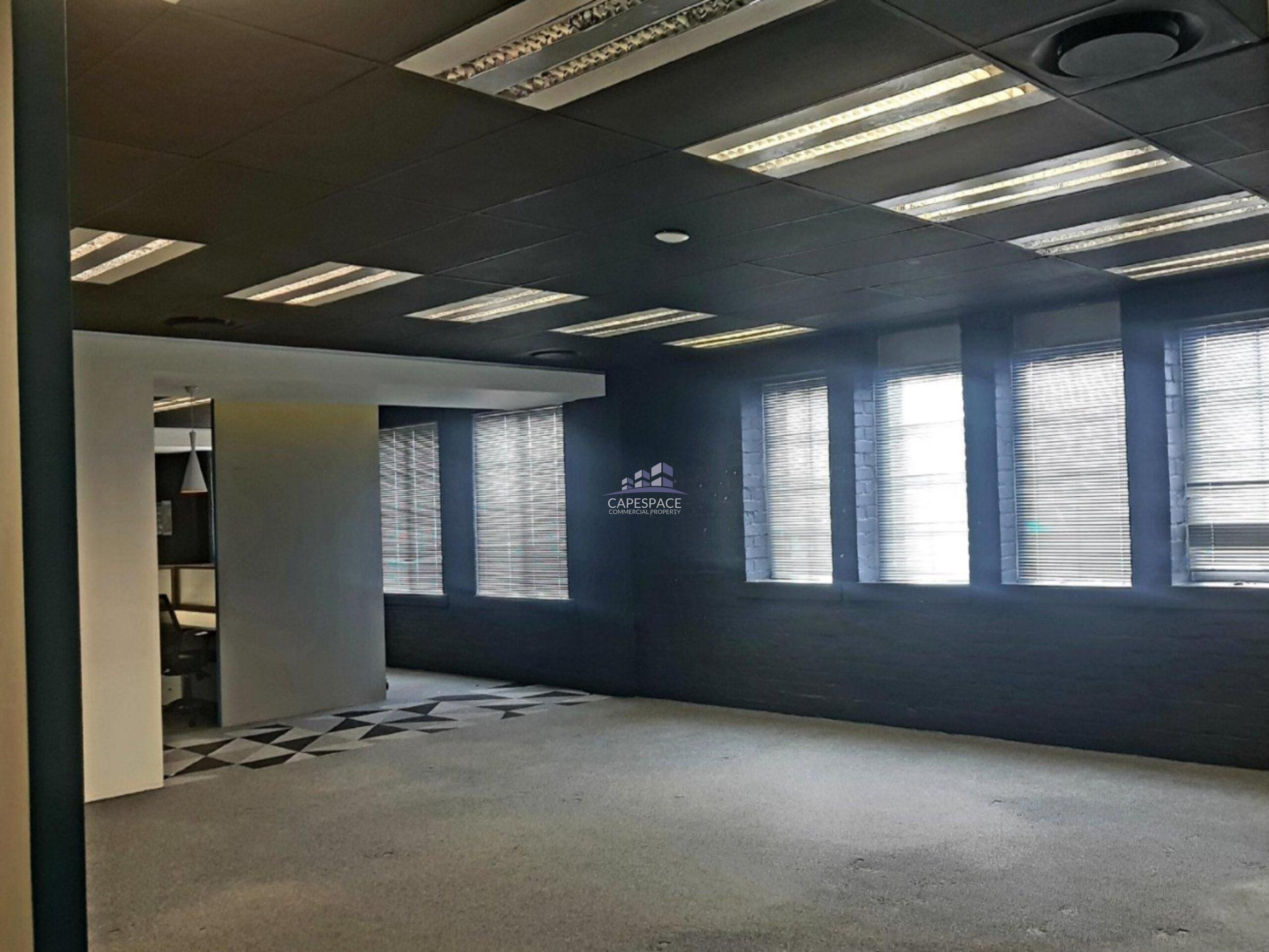 266 m² Office Space to Rent Green Point Sovereign Quay