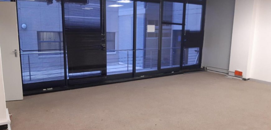 185 m² Office space to Rent Cape Town CBD 4 Loop Street