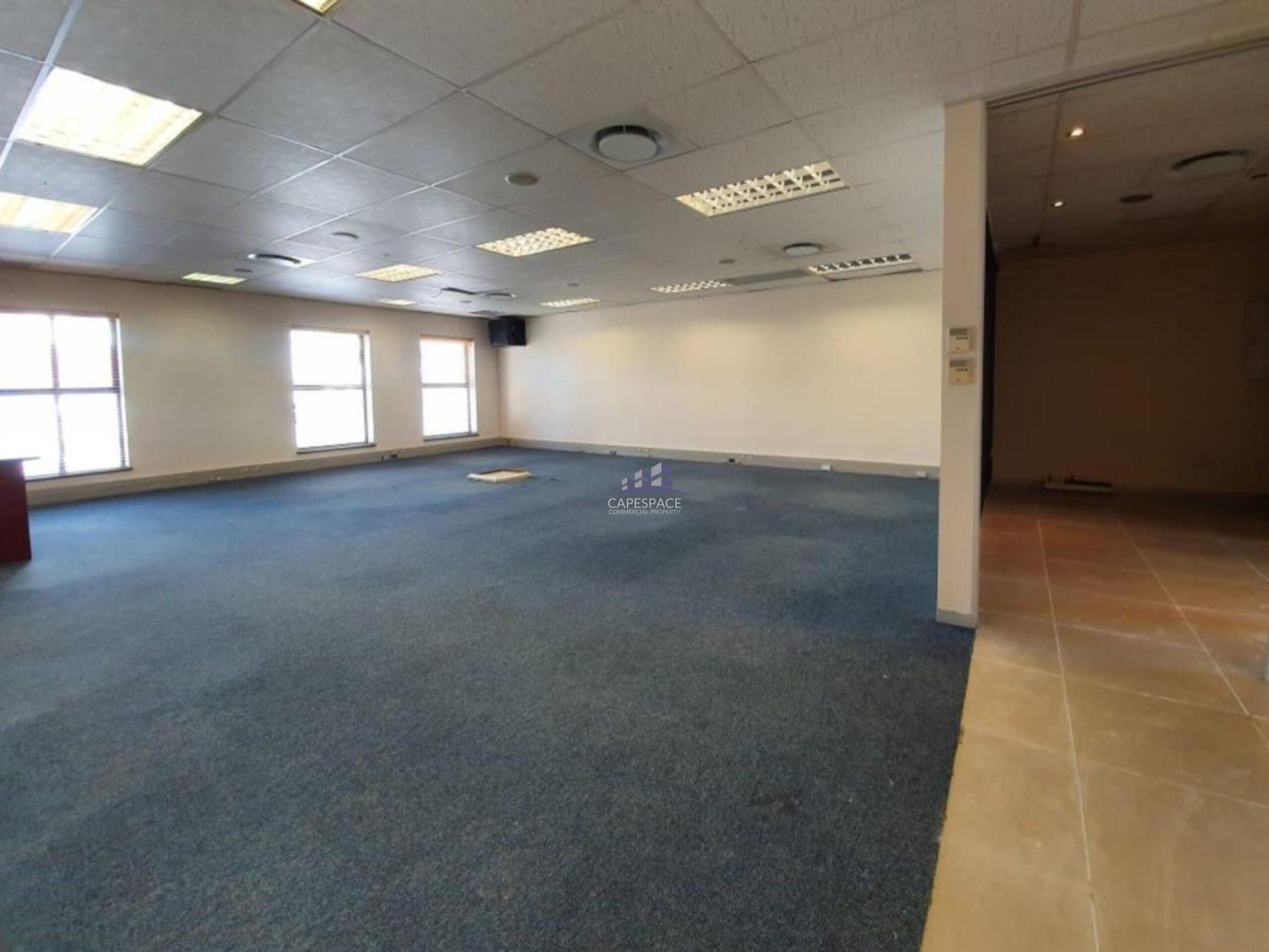 195 m² Office Space to Rent Century City I The Forum