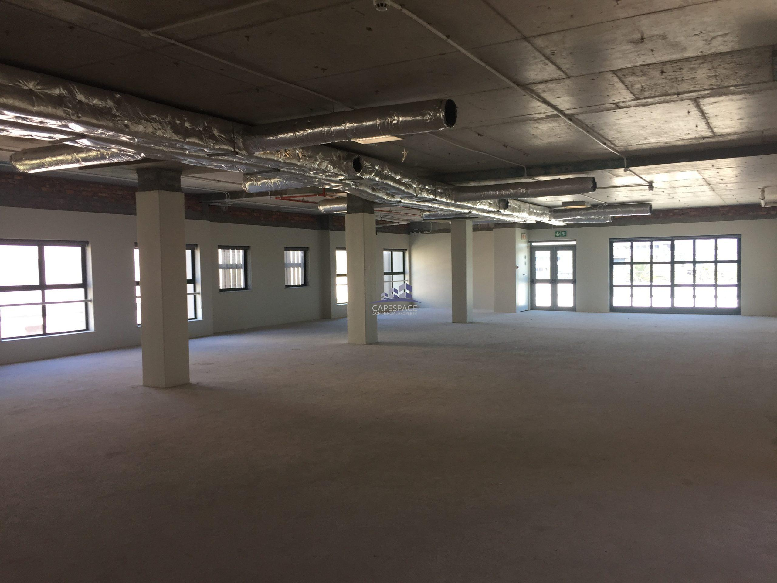 5,641 m² Office Space to Rent Century City Park One