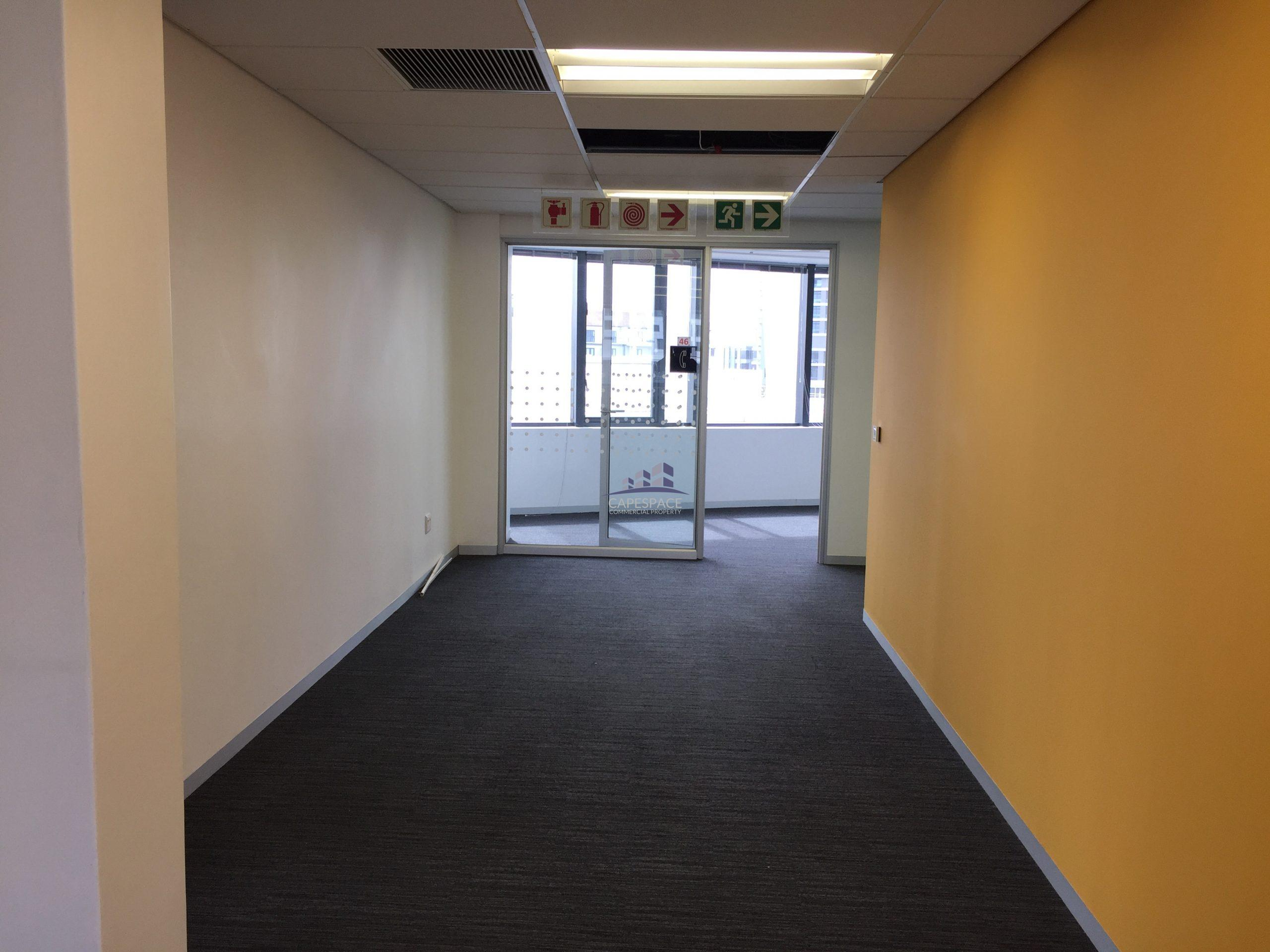 416 m² Office Space to Rent The Apex I Century City