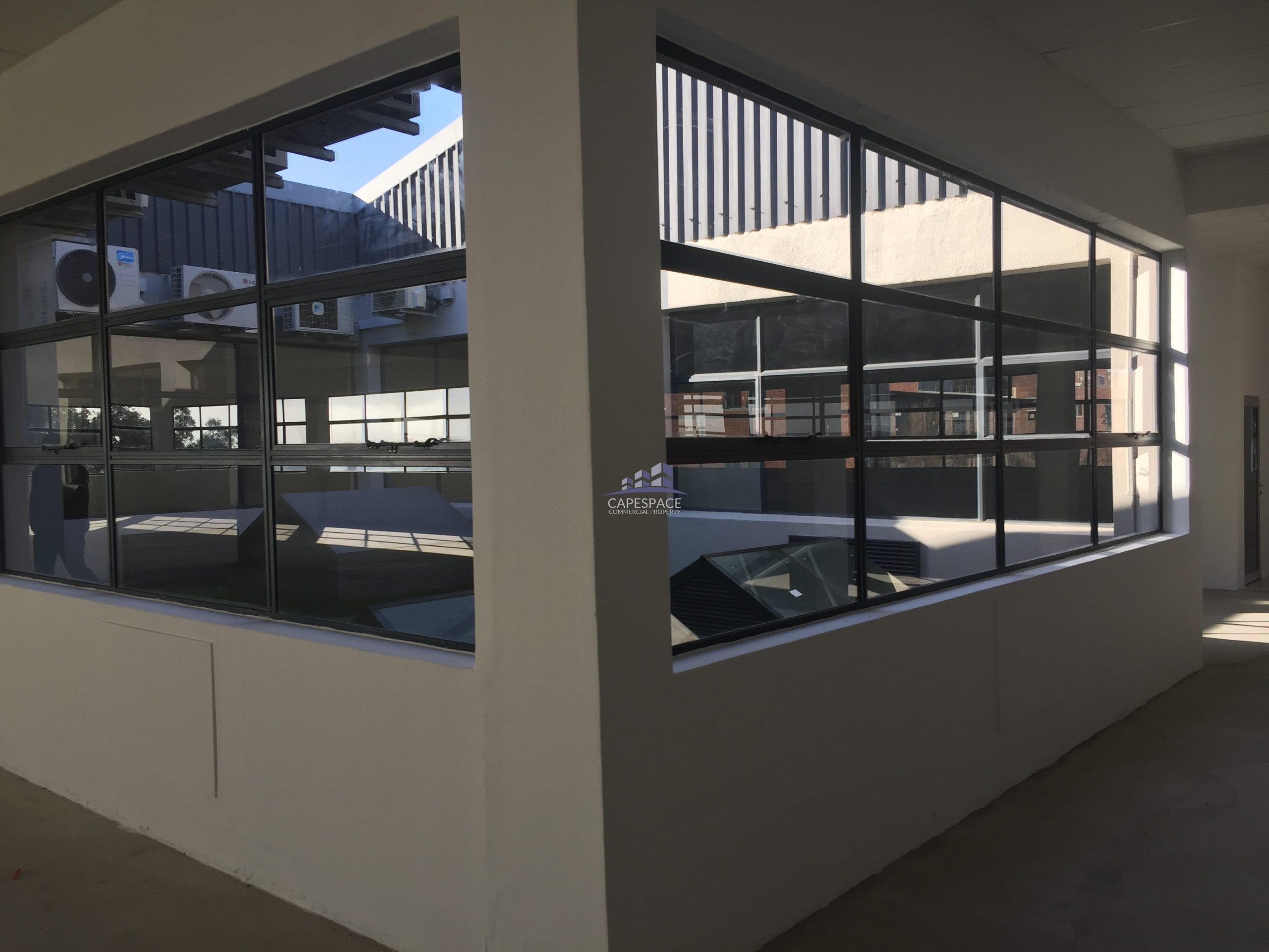 867 m² Office Space to Rent Observatory Black River Park