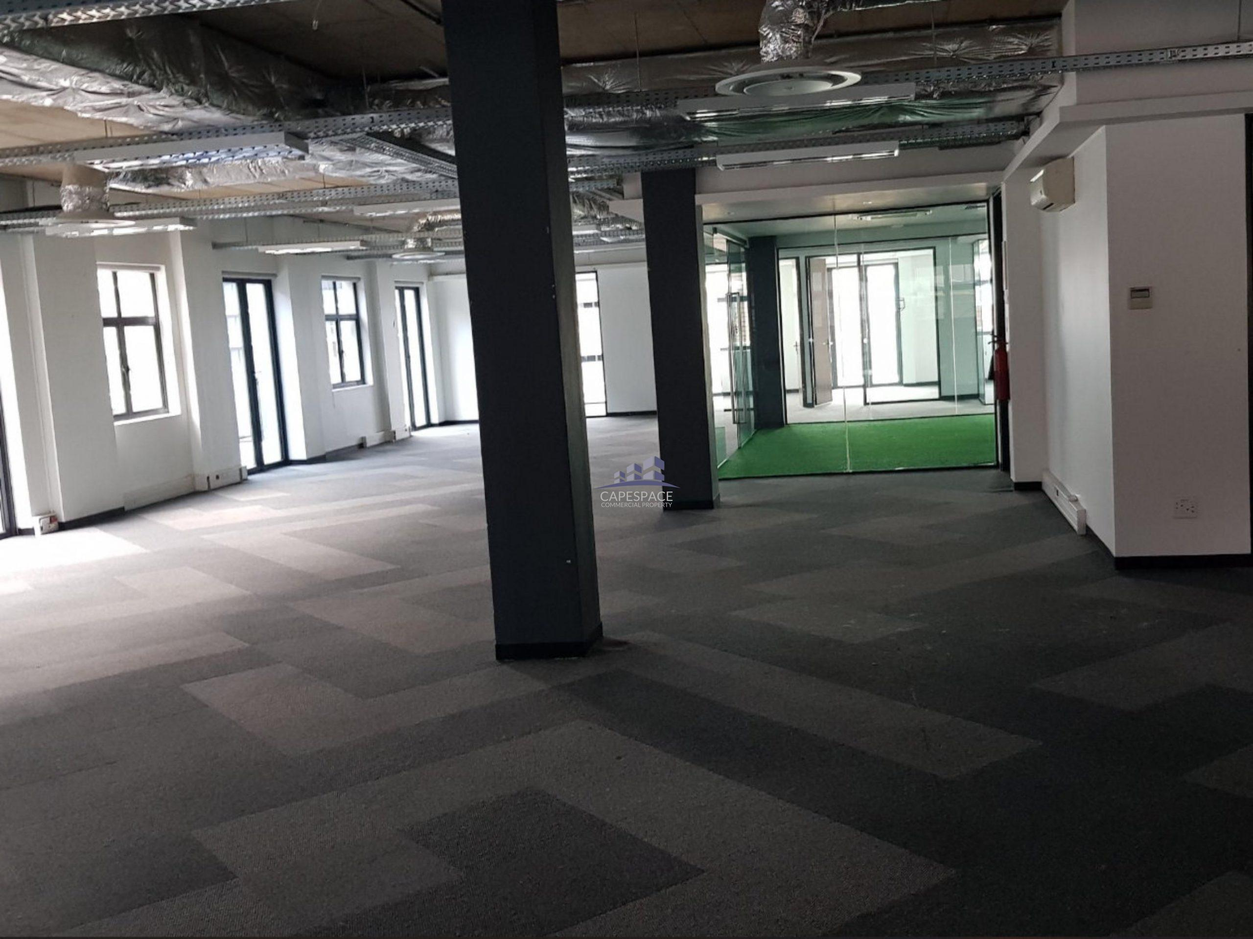 703 m² Office Space to Rent Green Point De Waterkant Building