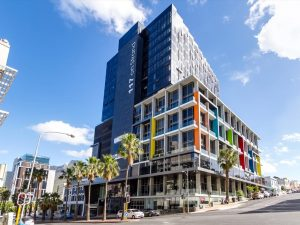 566 m² Office Space to Rent 117 on Strand