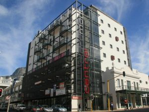 289 m² Retail Space to Rent at Claremont Central
