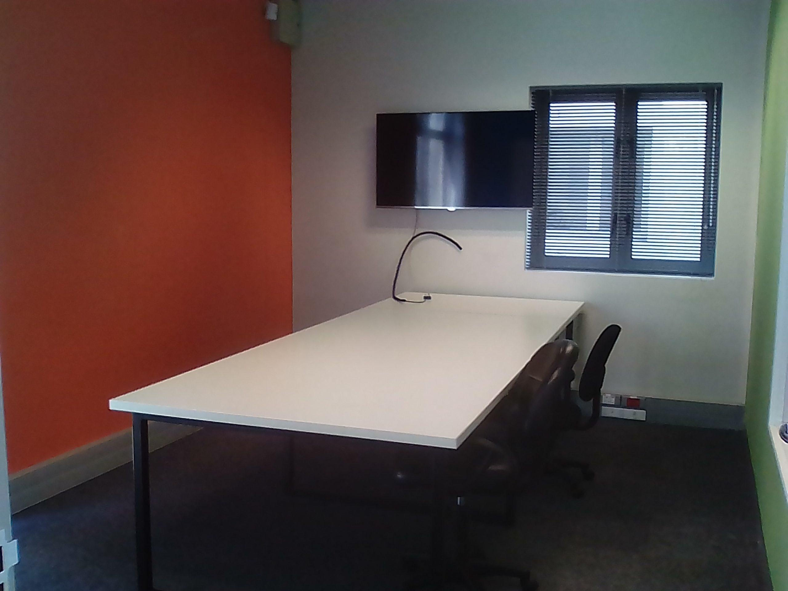 143 m² Office Space to Rent Grosvenor Square Century City