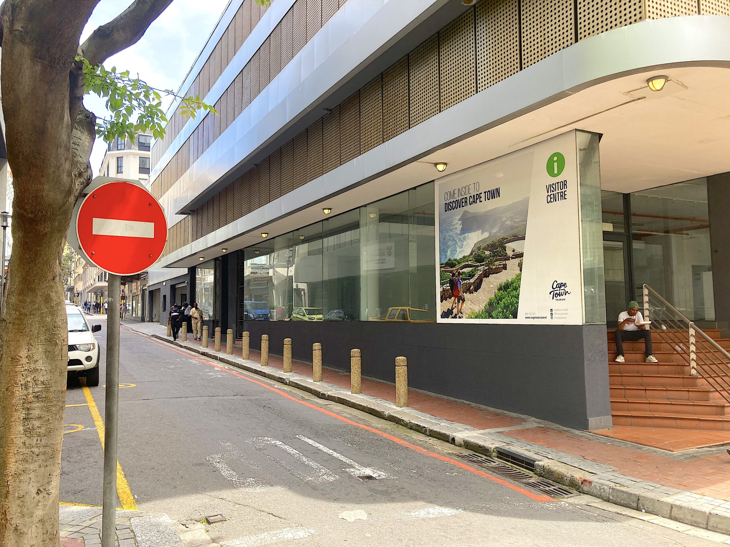 729 m² Office Space to Rent Cape Town CBD The Pinnacle Building