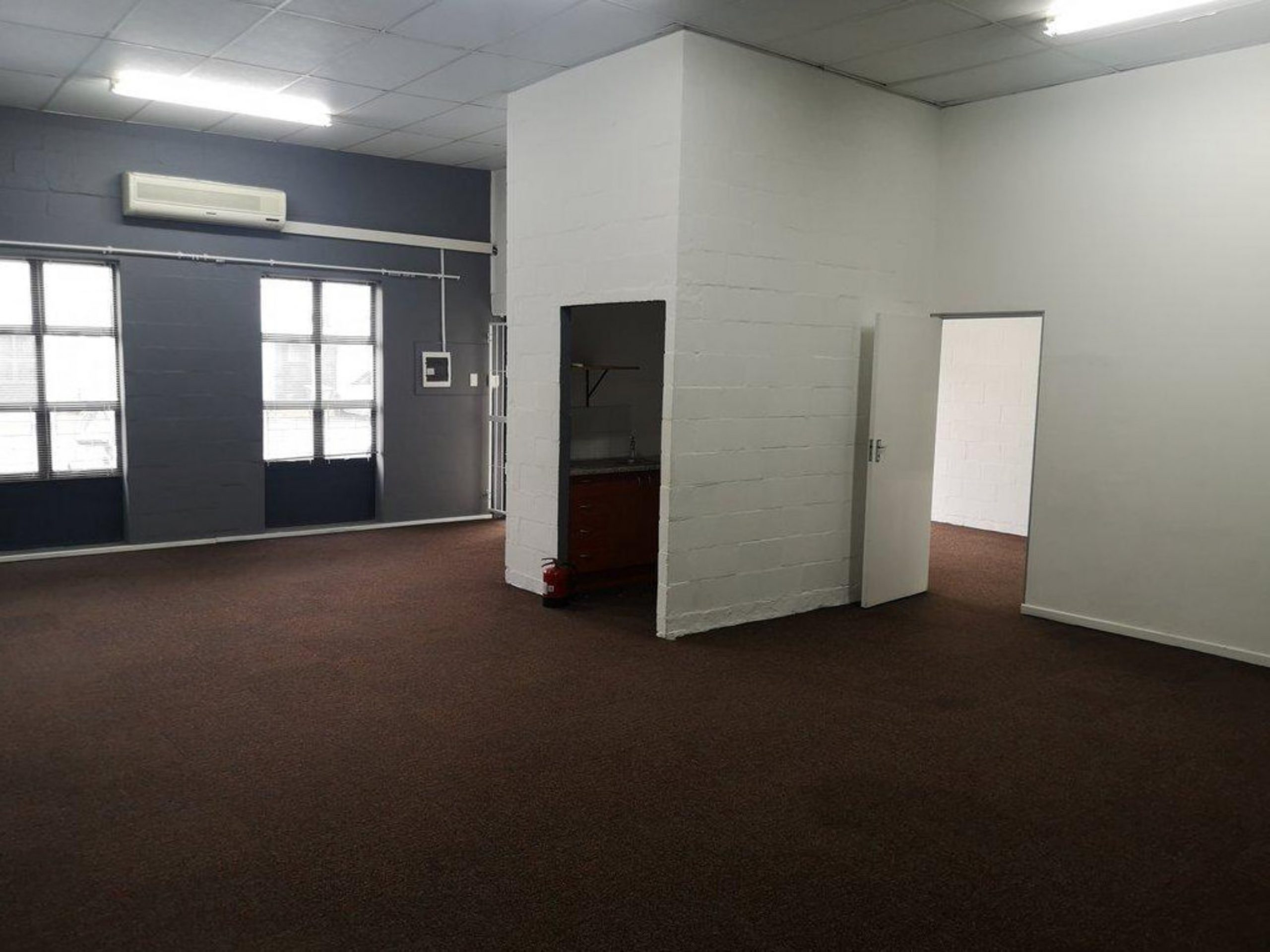 102 m² Office Space to Rent Platinum Junction Montague Gardens