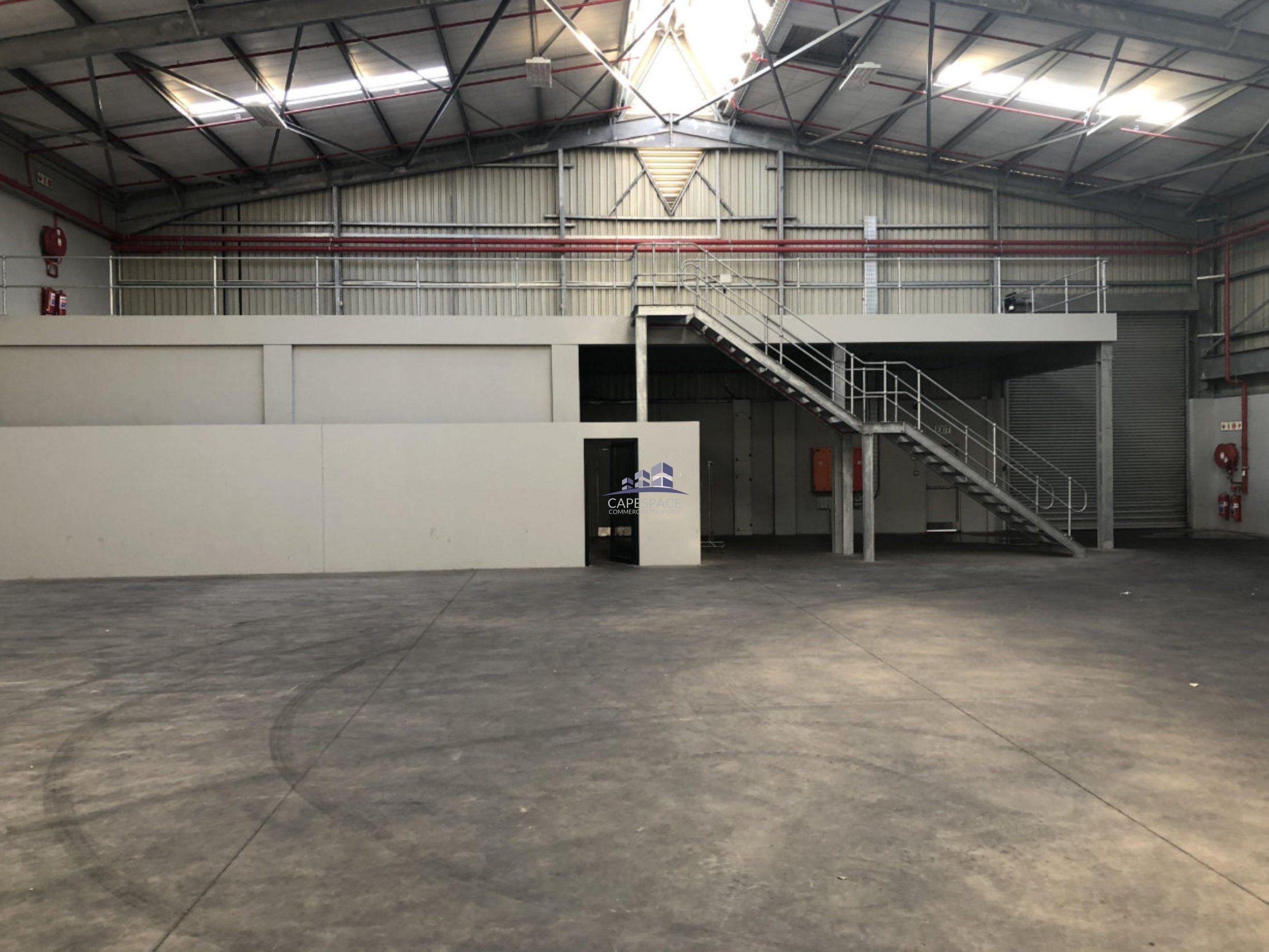 725 m² Warehouse to Rent King Hall Park Epping Industria
