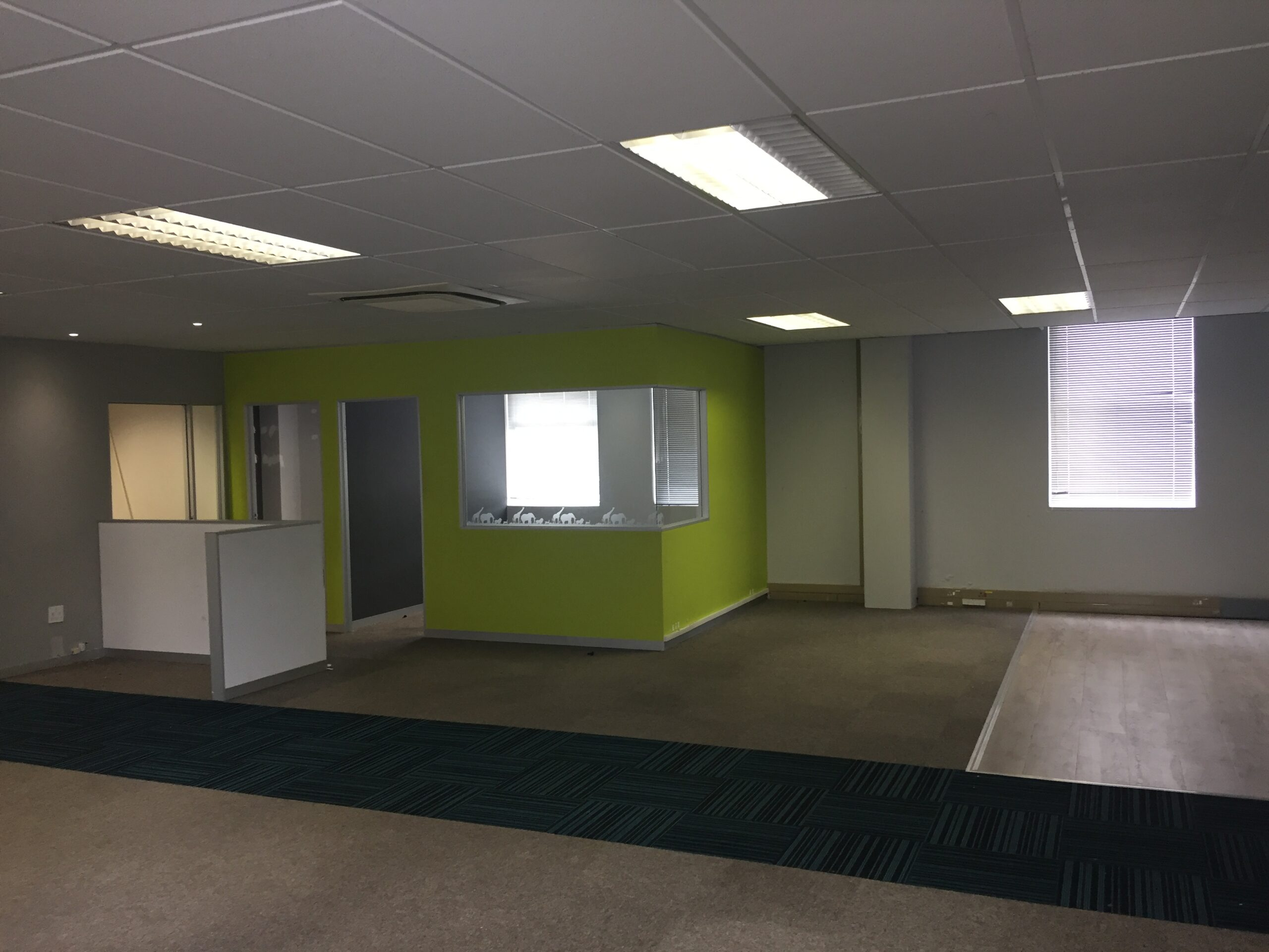 208 m² Office Space to Rent Belmont Office Park Rondebosch