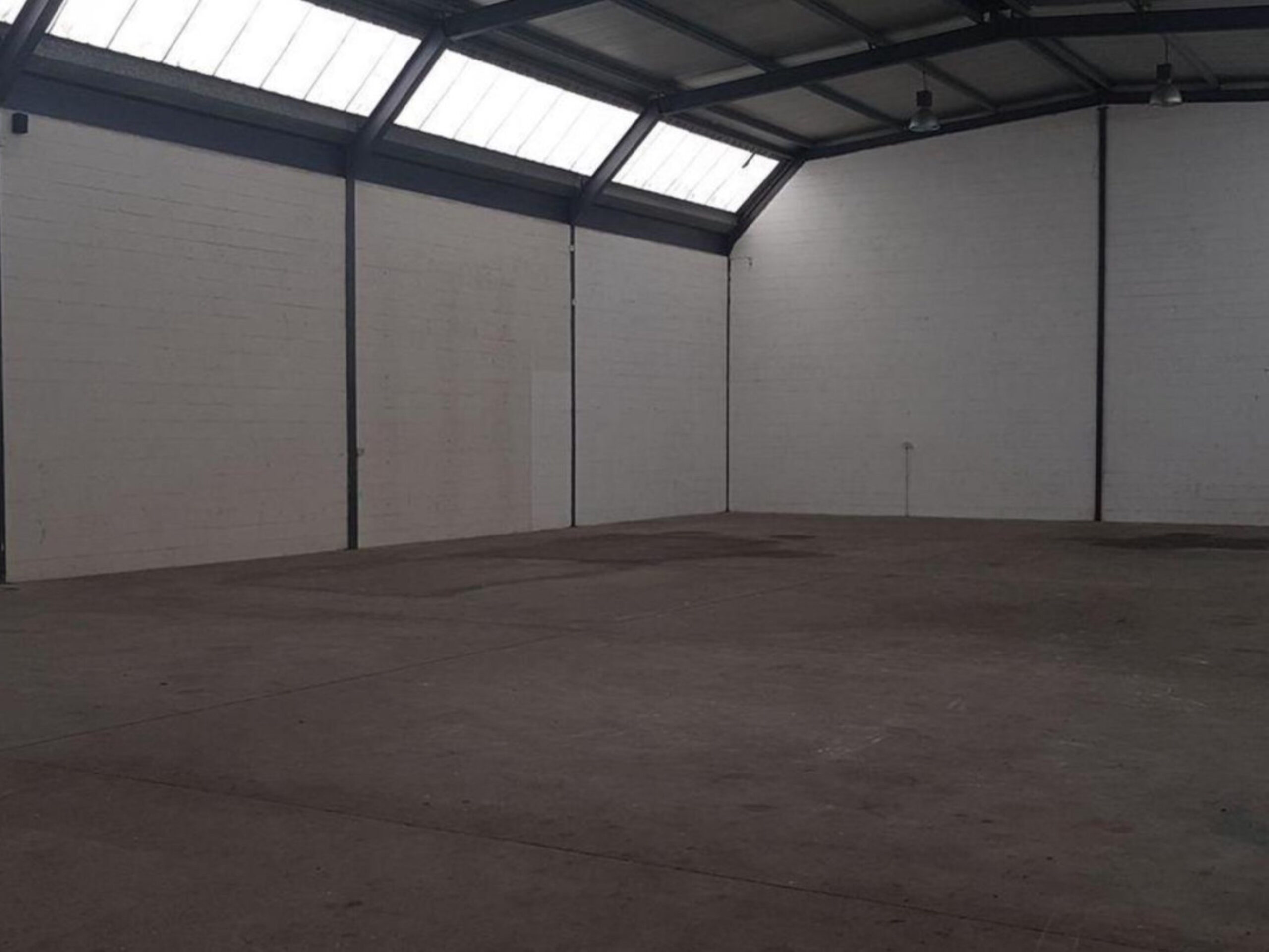 500 m² Warehouse to Rent Brackenfell 2 Kenwill Road