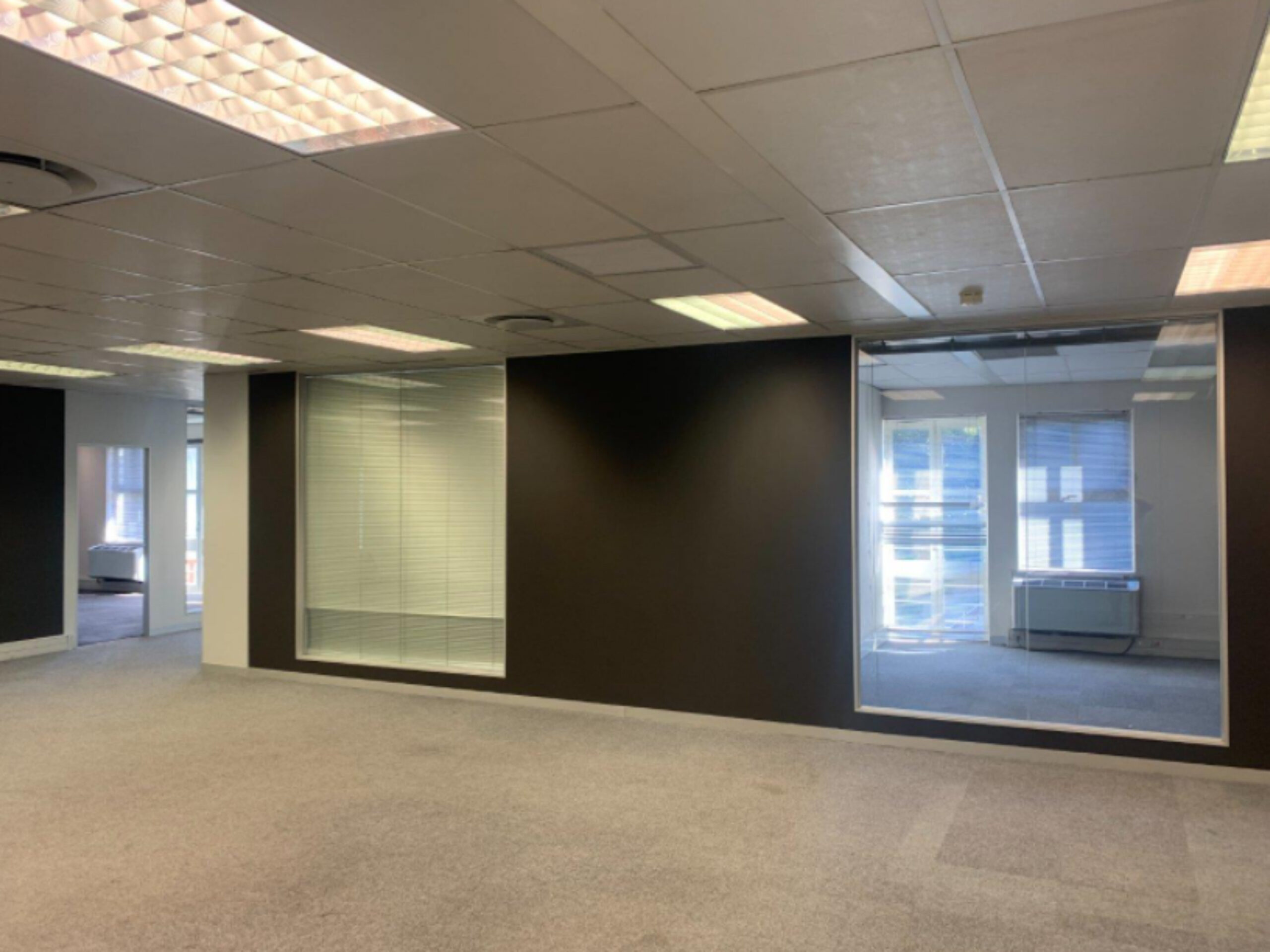 204 m² Office Space to Rent Waterfront I West Quay