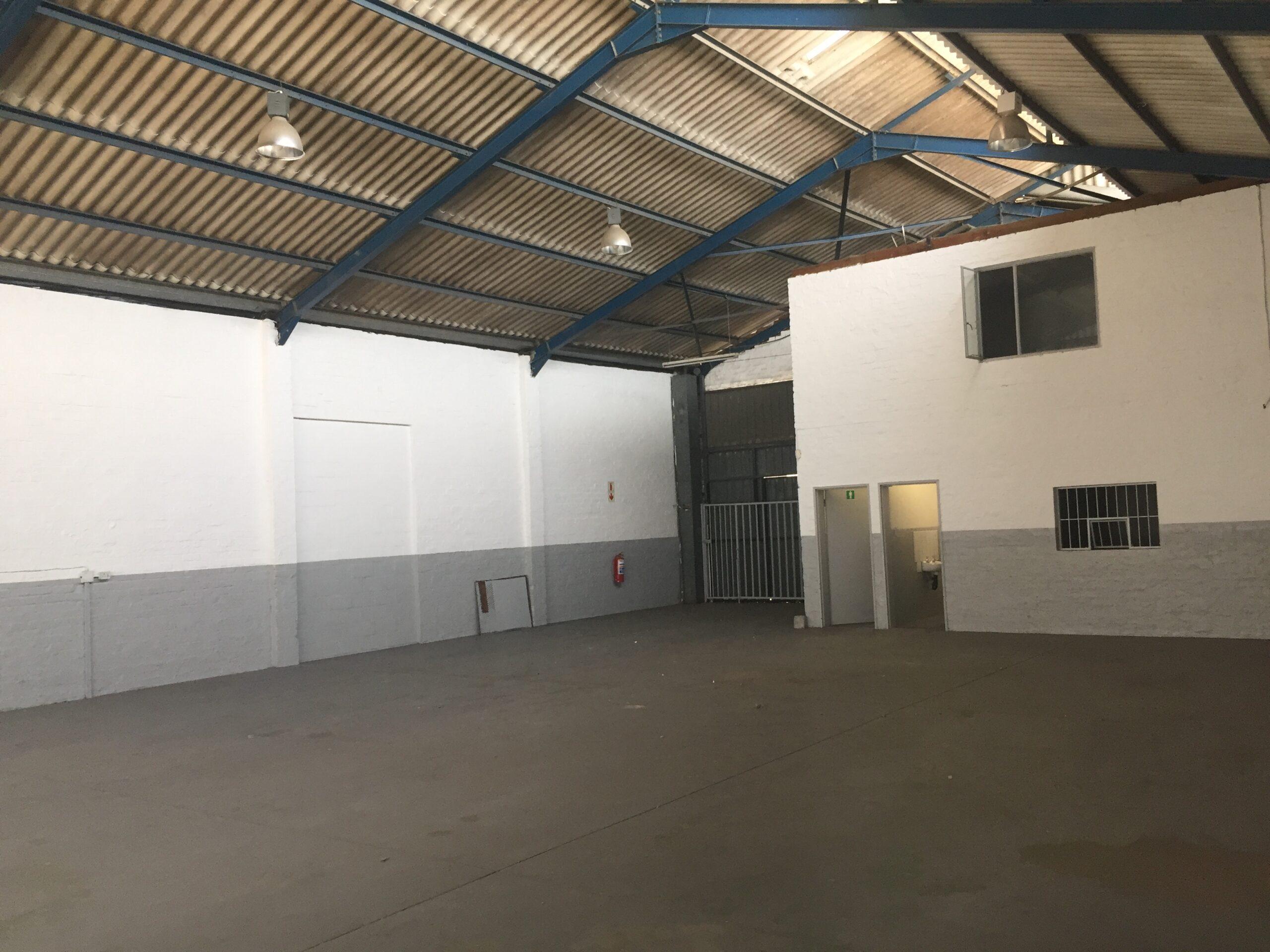 396 m² Warehouse to Rent Montague Gardens  Montague Square