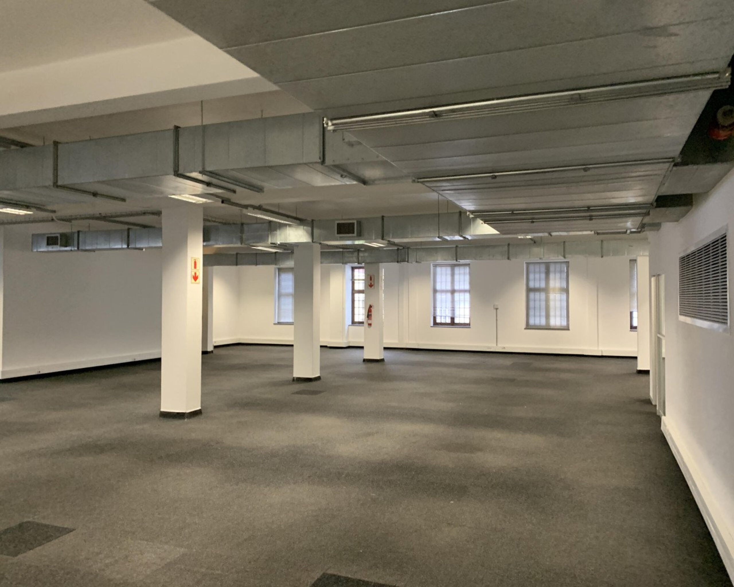 1,069 m² Office Space to Rent Cape Town CBD I Newspaper House