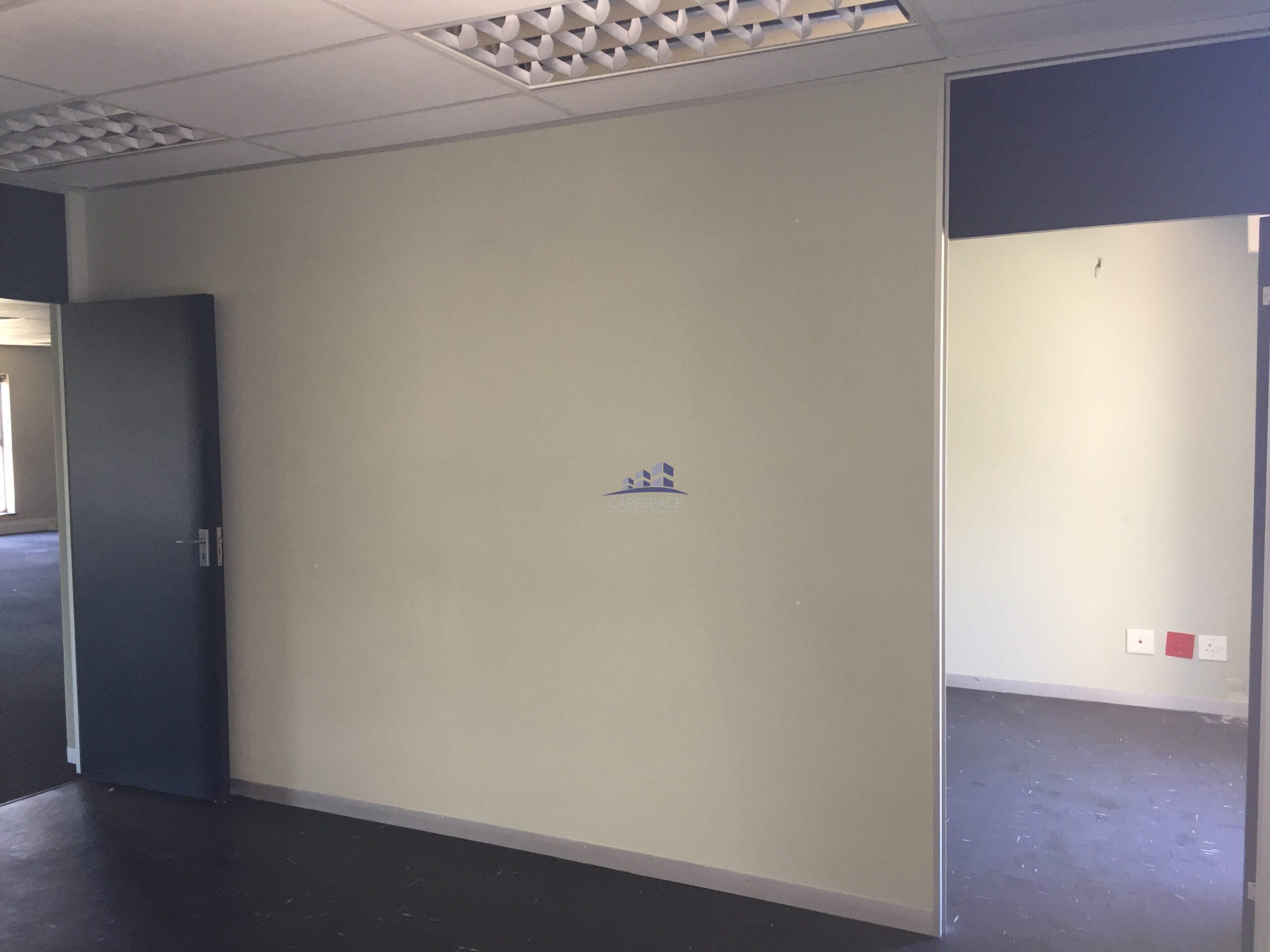 434 m² Office Space to Rent Century City I The Forum