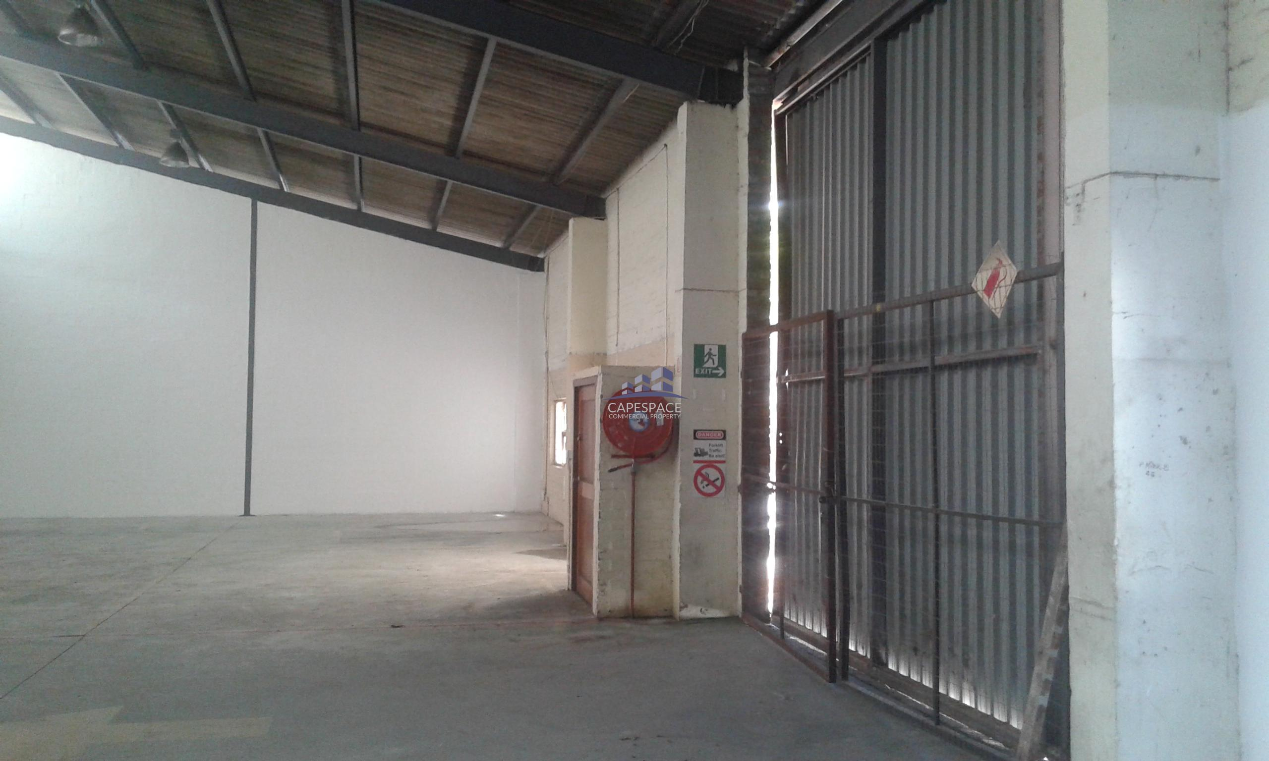 1,049 m² Industrial Property to Rent Airport Industria I Golf Air Park