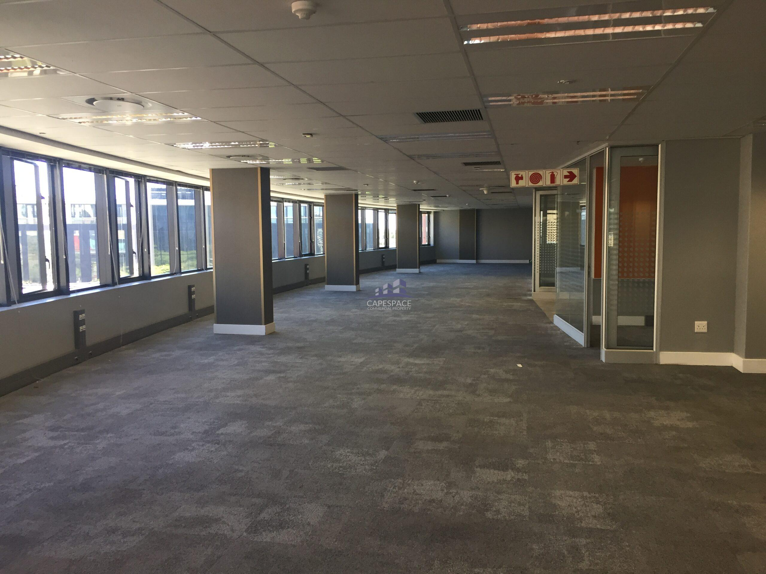 578 m² Office Space to Rent The Apex Century City