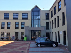 585 m² Office Space to Rent Mowbray I River Park