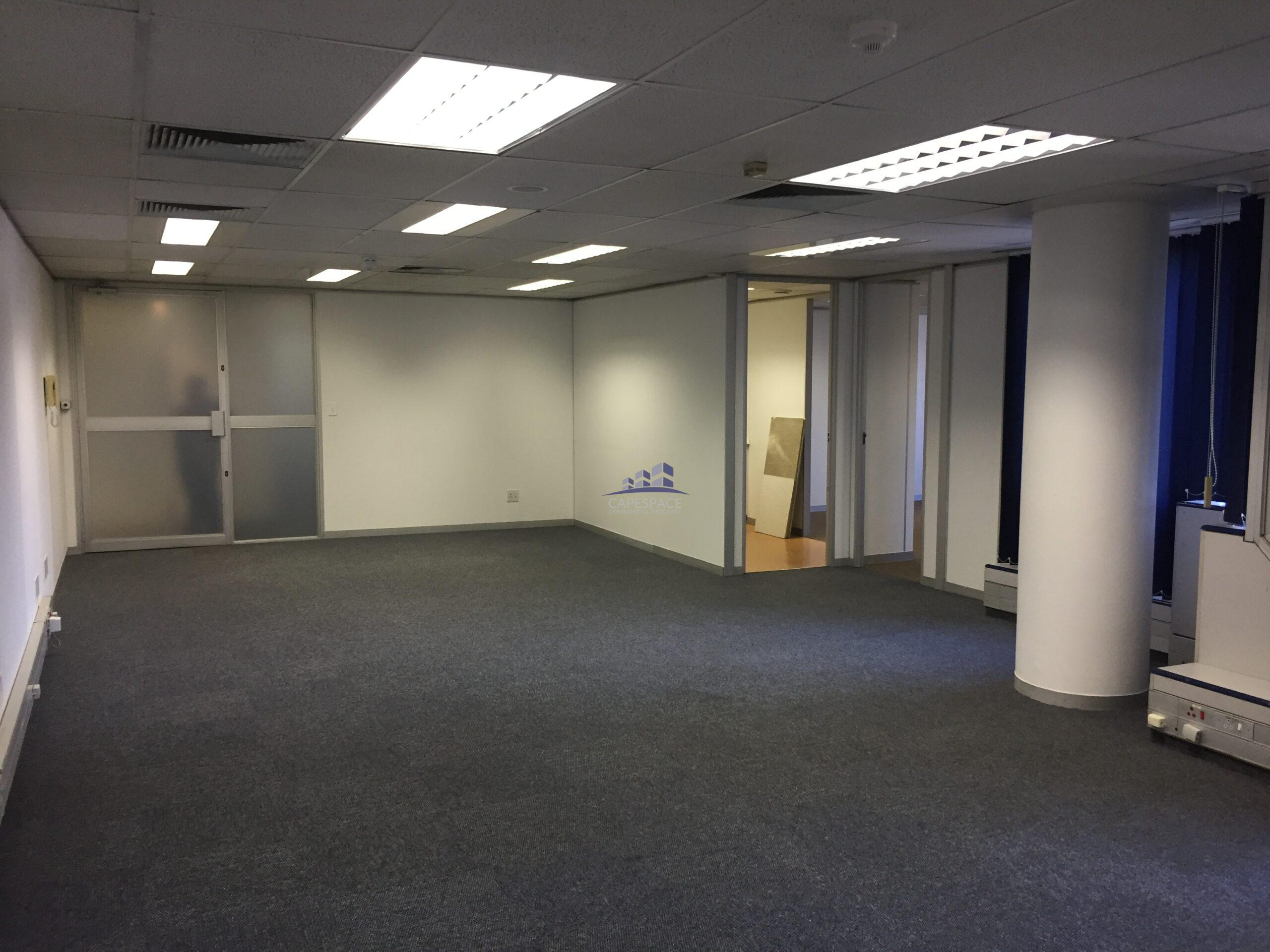 119 m² Office Space to Rent Sunclare Building I Claremont