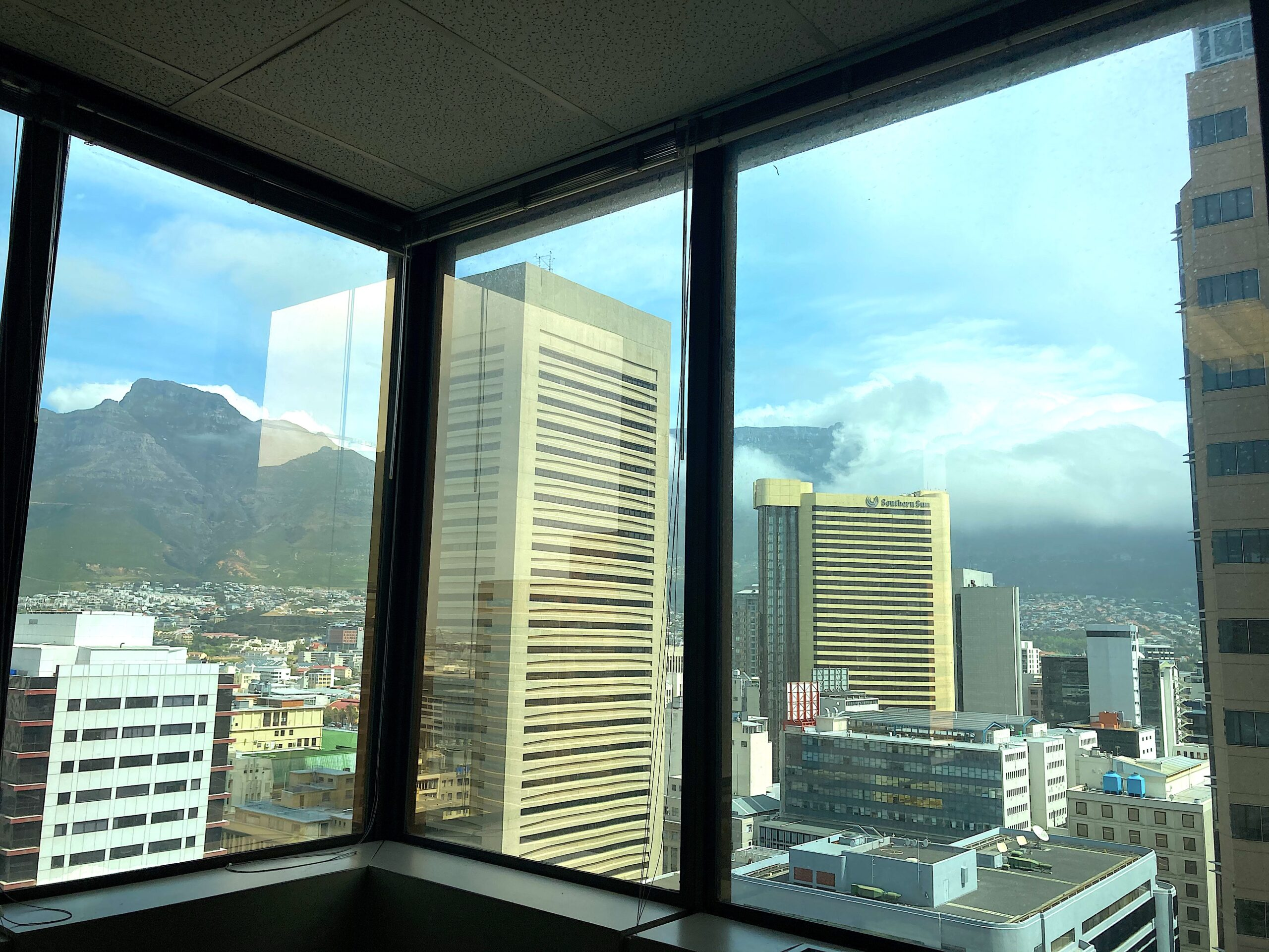 541 m² Office Space to Rent Cape Town CBD I 2 Long Street